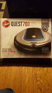 BRAND NEW ROBOTIC VACUUM QUEST 700