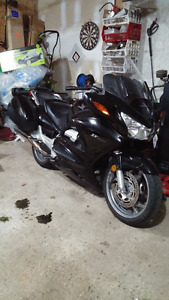 Fast, Reliable and FUN.Honda ST1300.