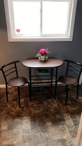 Price drop ! Small dinette set