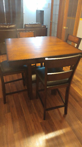 Dark Wood Kitchen table and 4 chairs
