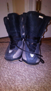 Size 2.5 and Size 3.0 Snowboard Boots Cambridge Kitchener Area image 2