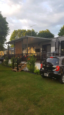 2015 Breckenridge Lakeview 40 Ft Trailer Park Models
