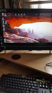 HP Touchscreen 22 inch 600-1047 Desktop PC