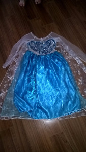 Frozen Elsa dress, age 5-6