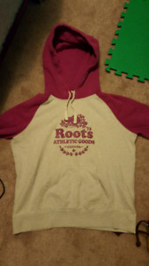 Women's roots sweater size large