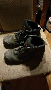 Kodiak construction steel toe boots