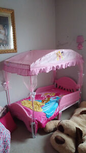 Barely used Princess toddler bed