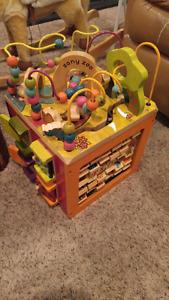 B You Zany Zoo activity cube
