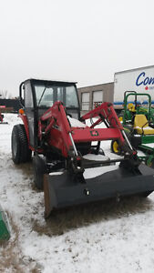 Massey Ferguson 1533 with Cab and Loader