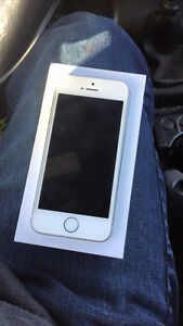 6 month old iPhone 5s !!!  Warranty till June 20th 2017