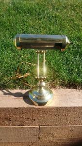 Lampe en brasse pour collectionneurs / Brass collectors lamp