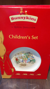 BRAND NEW Royal Dalton Bunnykins Kids Dish Set