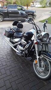2005 Suzuki Boulevad C90T with Cobra Long pipes