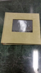 DECORATIVE  ITEMS: RESIN HIGH HEEL, PICTURE FRAMES, ALBUMS, ETC London Ontario image 8