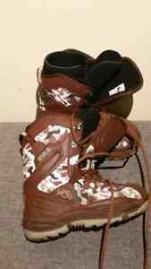 Men's size 8 snowboard boots Kingston Kingston Area image 3