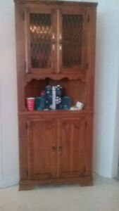 Quality Colonial Corner Hutch