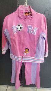 MANY OUTFITS FOR 2-3 YEAR OLD GIRL Dora Hello Kitty... Gatineau Ottawa / Gatineau Area image 2