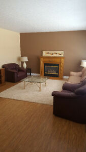 Walking Distance to University Fully Furnished Rooms for Rent