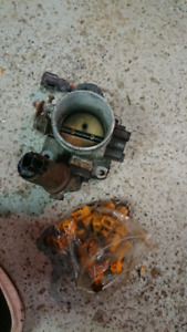 Ford Mustang 65mm throttle body and injectors