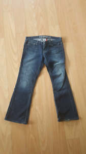 Like new women's Guess jeans flare boot cut size 30