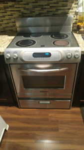 Electric stove & Microwave/vent
