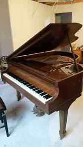 Baby Grand,  great condition! Rare find.