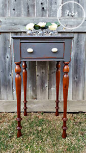 SOLD!!! Stunning vintage side table with amazing legs!