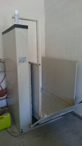 Wheelchair Lift includes delivery and installation