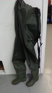 SIZE 7-8 CHEST WADERS