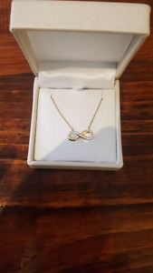 Gold chain with Infinity pendant