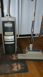 ELECTROLUX  CANASTIR TYPE VAC WITH POWER NOZZLE
