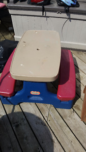 TODDLER SIZE PICNIC TABLE