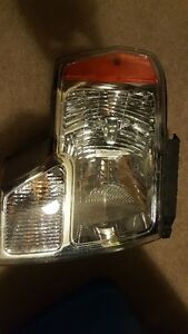 2010  Ford Headlight Assmbly