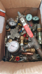 Airline fittings, filter drier and guages