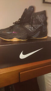 Basketball Shoes Lebron XIII (size US 14)