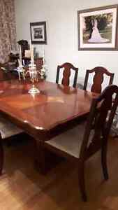 Dining Room Table London Ontario image 2