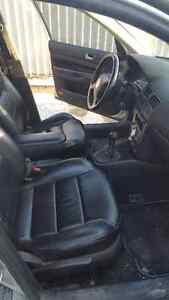 2000 silver Volkswagen Jetta - leather, power mirrors/moonroof