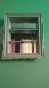 ancienne armoire (meuble ) a pharmacie tablette et  mirroir