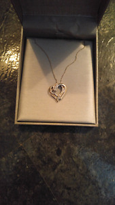 Peoples jewellers necklace heart pendant