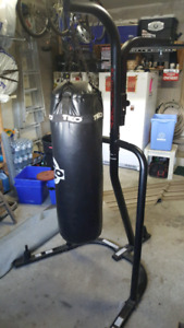 Punching bag w/stand