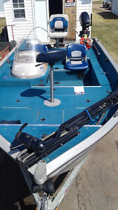 Lowe 16 ft Bass Boat For Sale