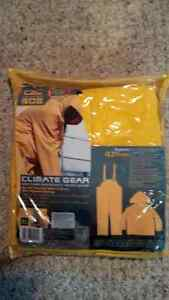 Rain Suit, new in package Cambridge Kitchener Area image 1