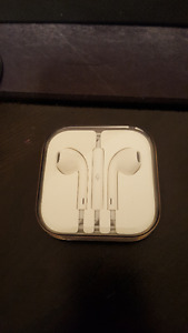 NEW IN BOX - Genuine Apple iPhone earbuds with mic