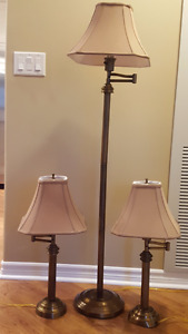 2 TABLE/BEDSIDE LAMPS W/ MATCHING FLOOR LAMP