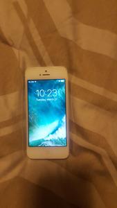 IPhone 5 16gb unlocked.
