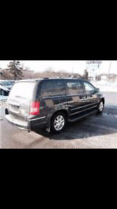 2010 Chrysler Town & Country Limited, Navigation  Sunroof