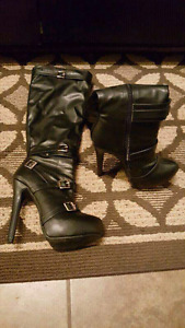 Woman's boots size 7