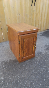 SMALL WOOD END TABLE WITH STORAGE