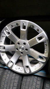 Set of 22 inch rims off a range rover 5x120