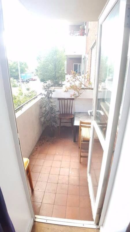 Double room for rent with balcony in Chelsea suitable for couples *all bills included*